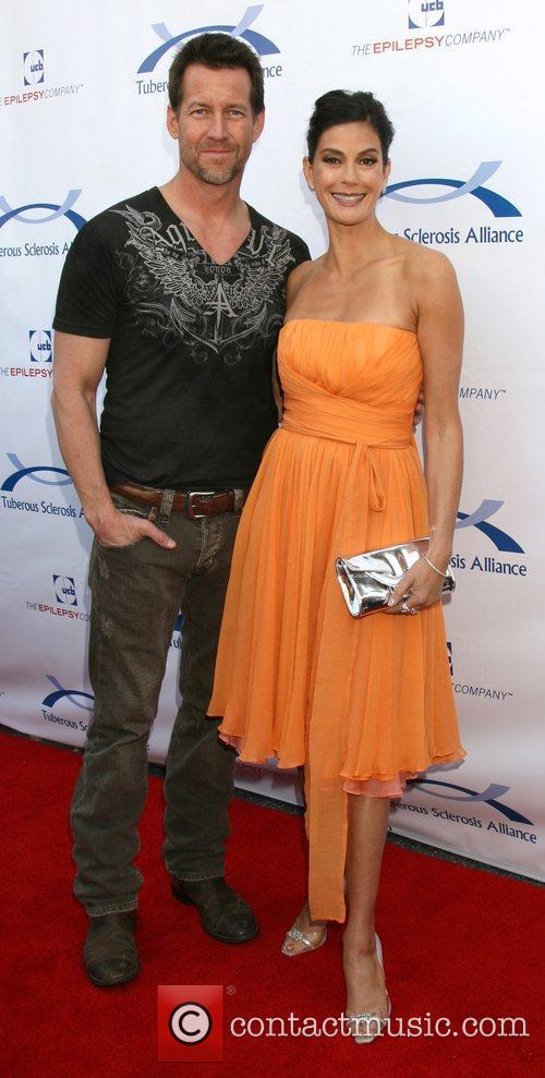 James Denton and Teri Hatcher 4