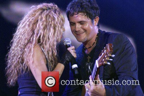 Alejandro Sanz and Shakira 1