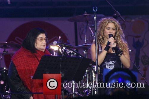 Shakira and Mercedes Sosa 11