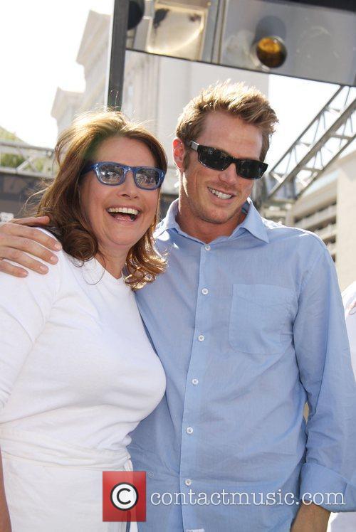 Lorraine Bracco and Jason Lewis