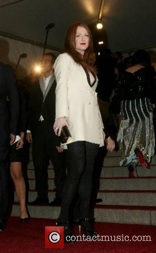Julianne Moore 'Poiret: King of Fashion' Costume Institute...
