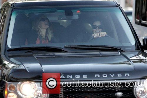 courteney cox arquette driving through beverly hills whilst daughter coco is seated at the back of her range rover 5071245