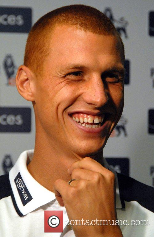 Steve Sidwell Creating Chances - launchNovotel. Players from...