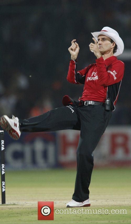 Billy Bowden umpire from New Zealand  IPL...