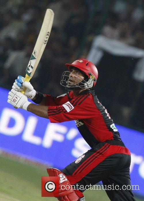 Dinesh Karthik IPL T-20 match Delhi Daredevils vs...