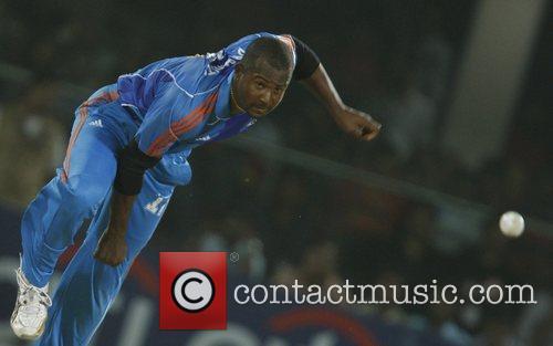 Dwayne Smith IPL T-20 match Delhi Daredevils vs...