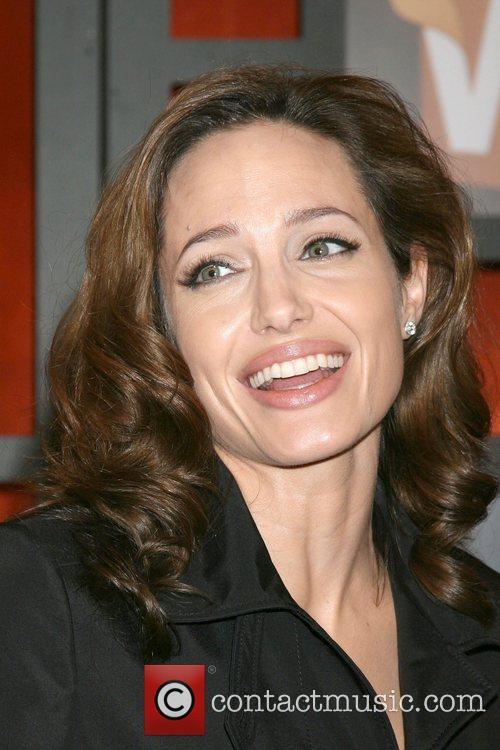 Angelina Jolie 10