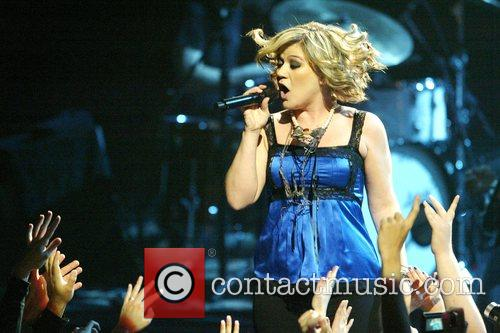 Kelly Clarkson performing at the Thanksgiving NFL Halftime...