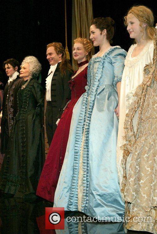 Benjamin Walker, Laura Linney and Mamie Gummer 4