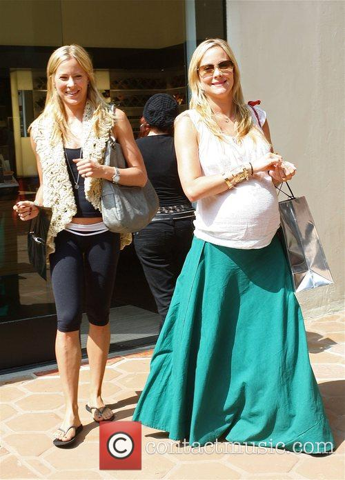 Brittany Daniel and Her Pregnant Twin Sister Cynthia Daniel 4
