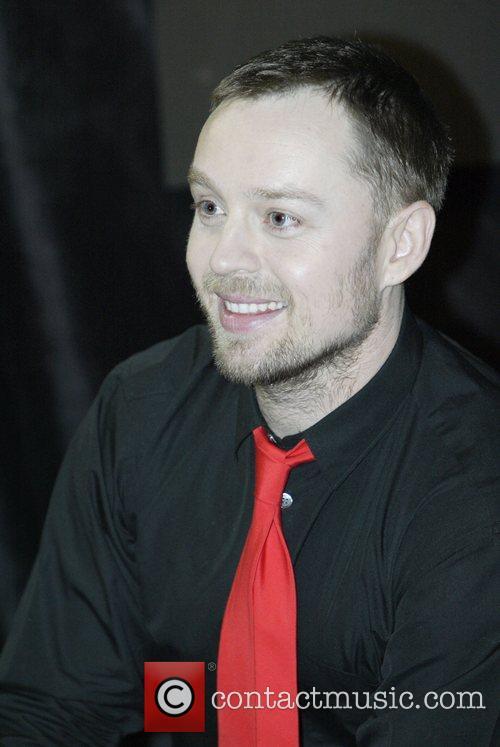 Darren Hayes makes an in-store appearance at Hum...