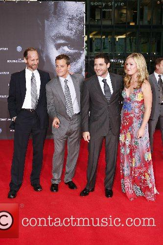 Edgar Ramirez, Julia Stiles and Matt Damon 6