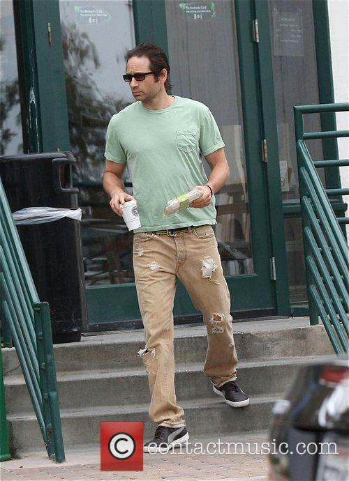 'Californication' star David Duchovny picks up coffee and...