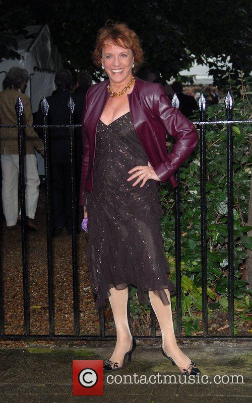 Esther Rantzen arrives at Sir David Frosts Summer...