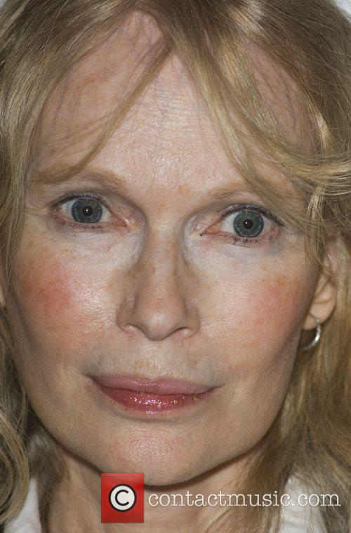 Mia Farrow The Eleventh Hour - A Day...