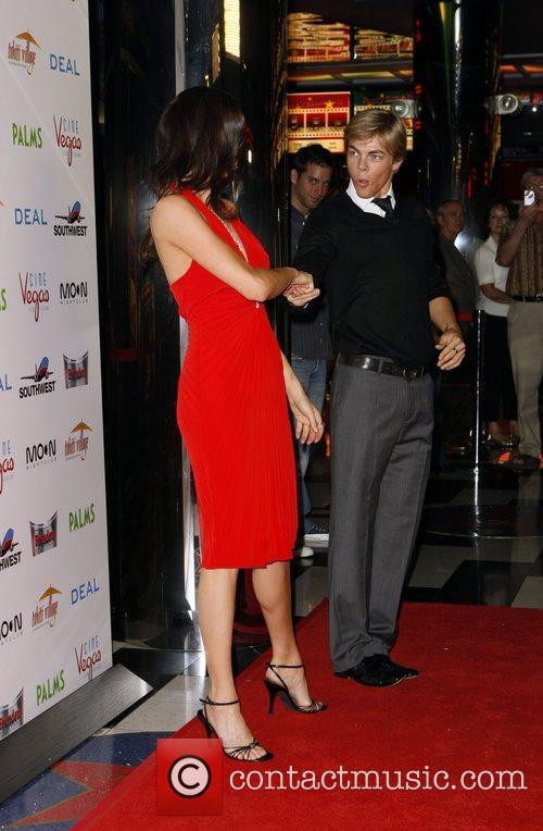 Shannon Elizabeth and Derek Hough 1