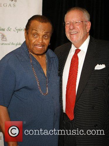 Joe Jackson and Mayor Oscar Goodman Opening night...