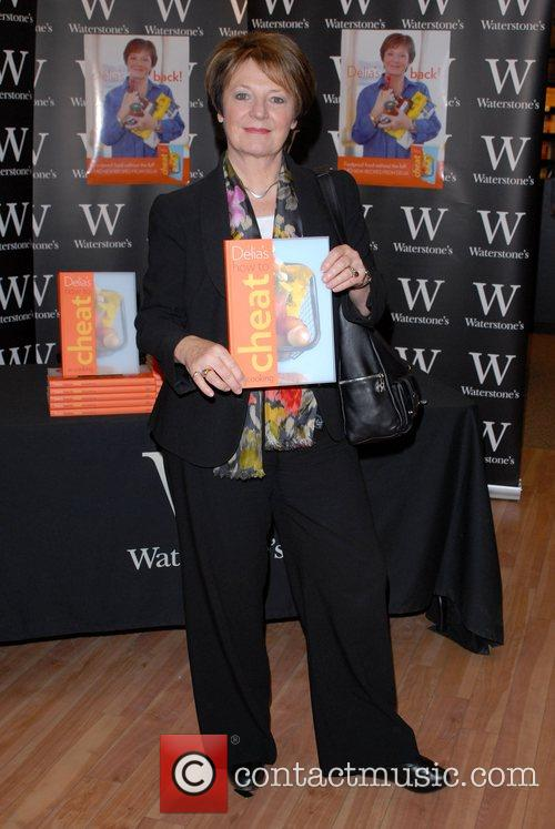 Delia Smith signs copies of her new book...
