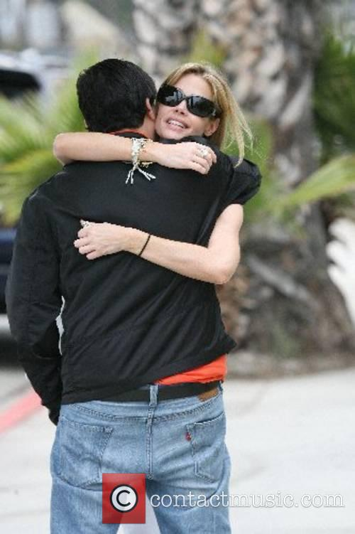 Denise Richards has an intimate lunch with a...
