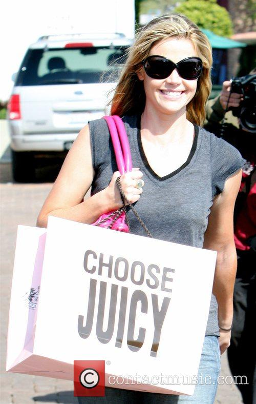 Denise Richards indulges in a spot of shopping...