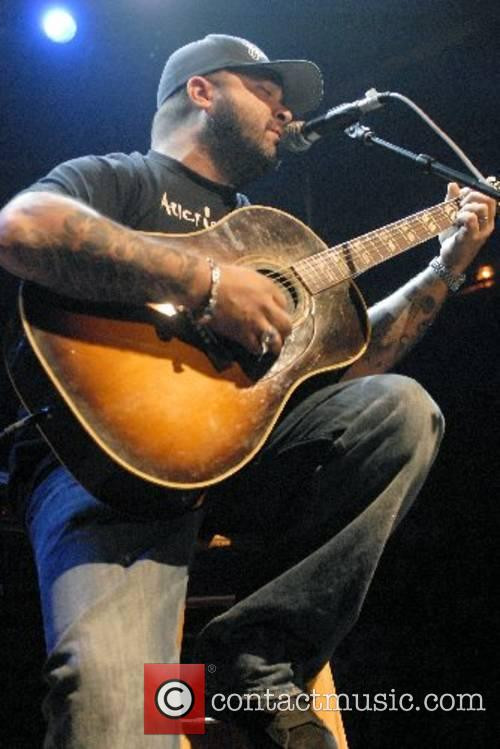 Aaron Lewis of Staind  Dimebag Darrell Tribute...