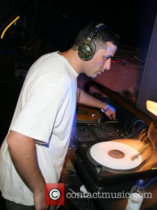 DJ Yoda 16