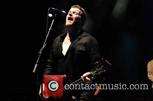 andy miller from dodgy performing live at the shepherds bush empire 5109999