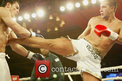 Doug Vinney Doug Vinney defeats Zabit Samedov in...