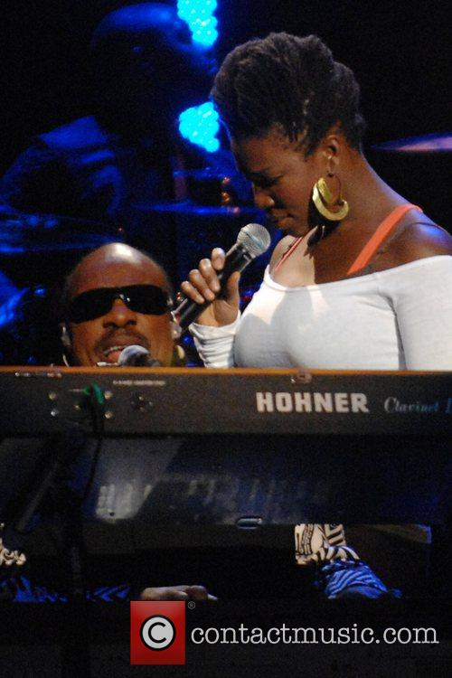 India Arie and Stevie Wonder 3