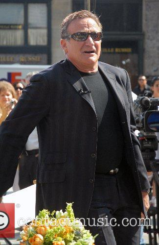 Robin Williams outside CBS studios for 'The Early...