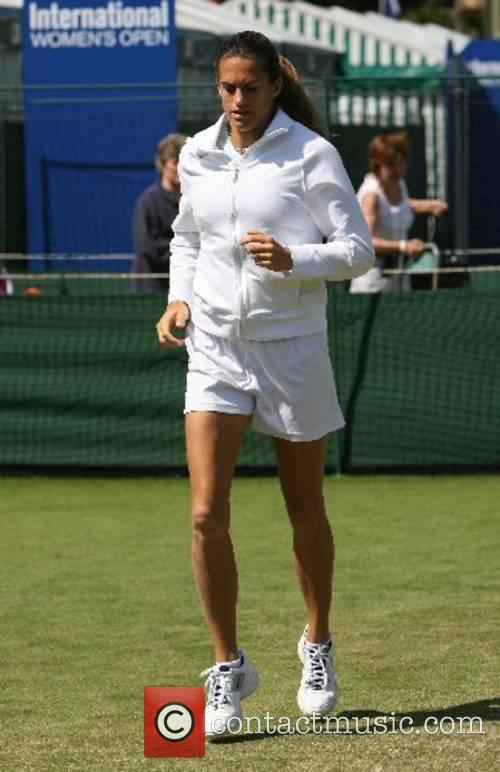 The current Wimbledon ladies single champion warms up...