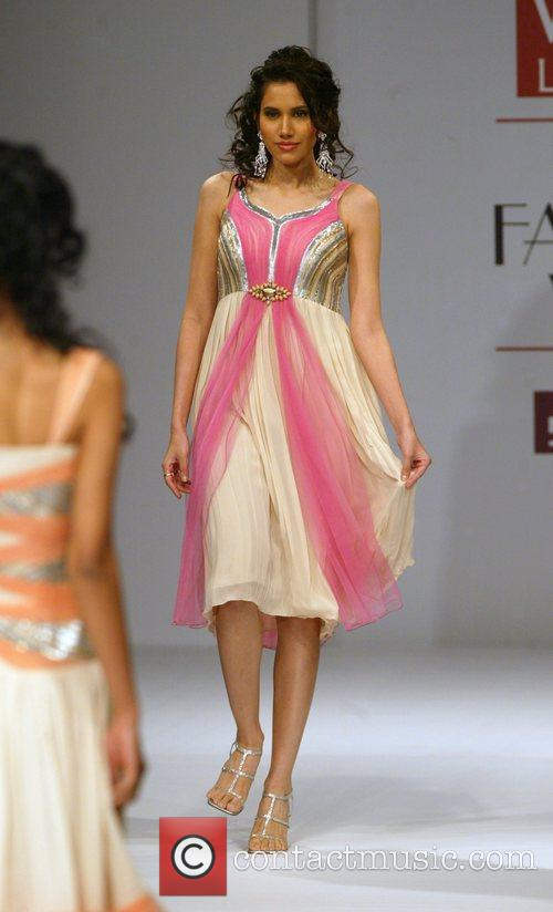 Elisha W catwalk show, Spring/Summer 2008 Wills India...