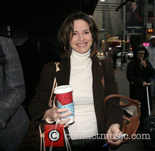 Elizabeth Vargas out and about in Manhattan drinking...