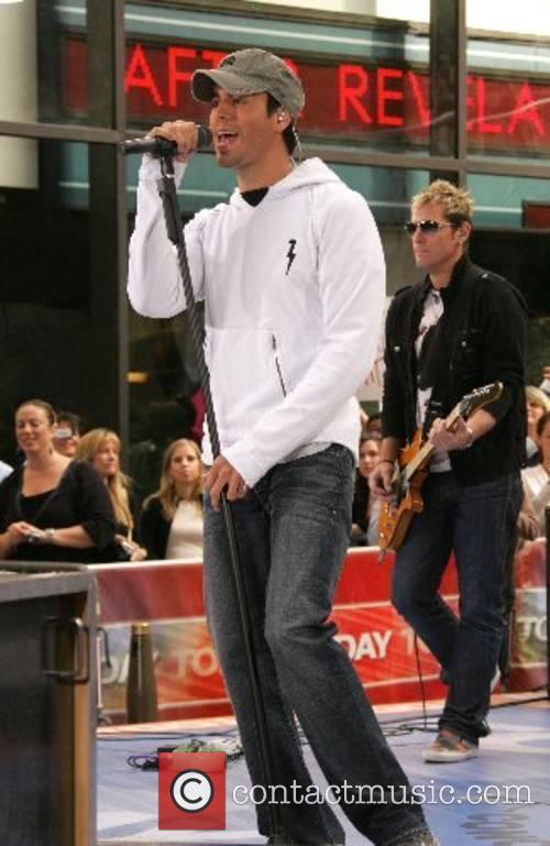 Enrique Iglesias 7