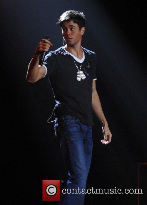 Enrique Iglesias 8
