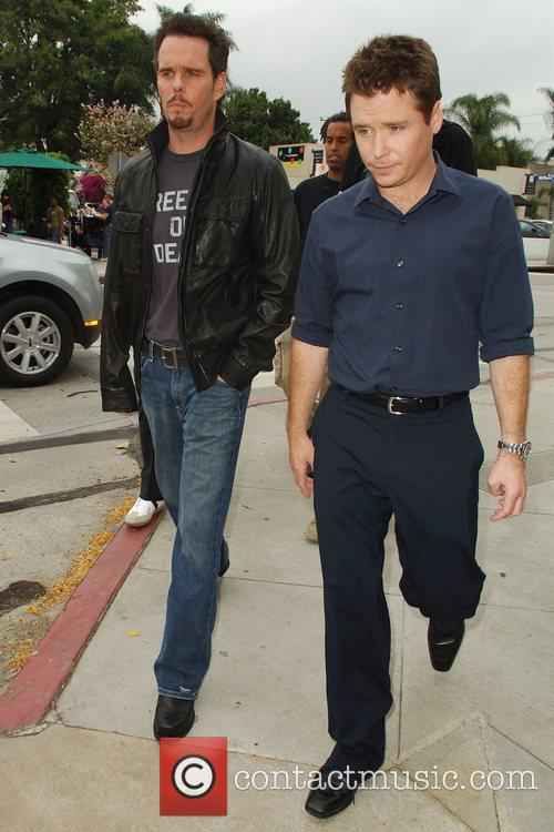 Kevin Dillon, Kevin Connolly at the film set...