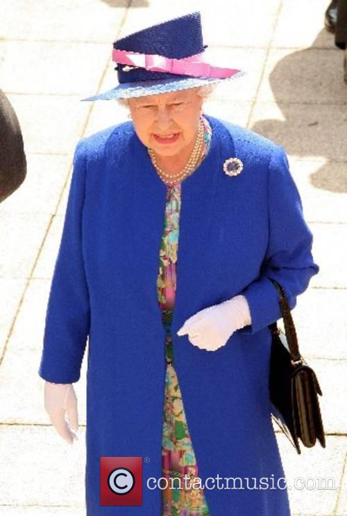 HM The Queen The 2007 Vodaphone Derby at...