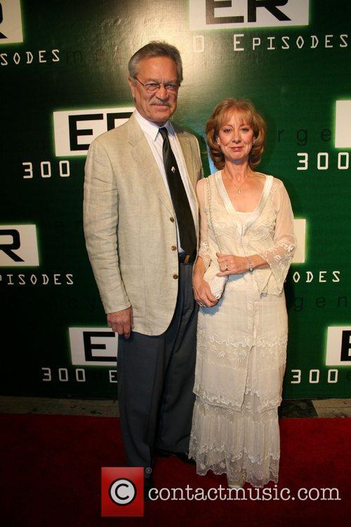 Mike Genovese, Ellen Crawford 'ER' celebrates its 300th...