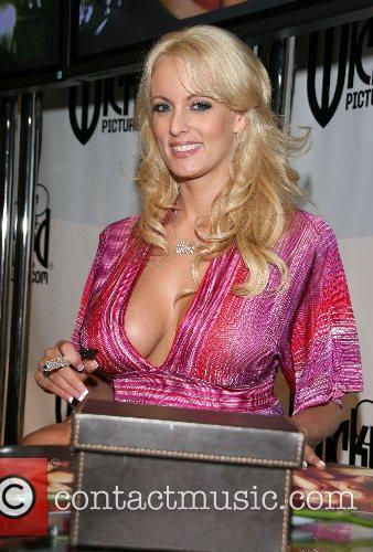 Stormy Daniels Erotica L.A. 2007 - Day Three...