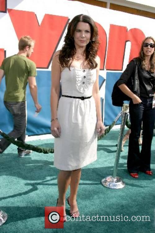 Lauren Graham World Premiere of 'Evan Almighty' at...