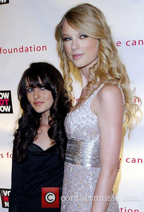 Ali Lohan and Taylor Swift 7