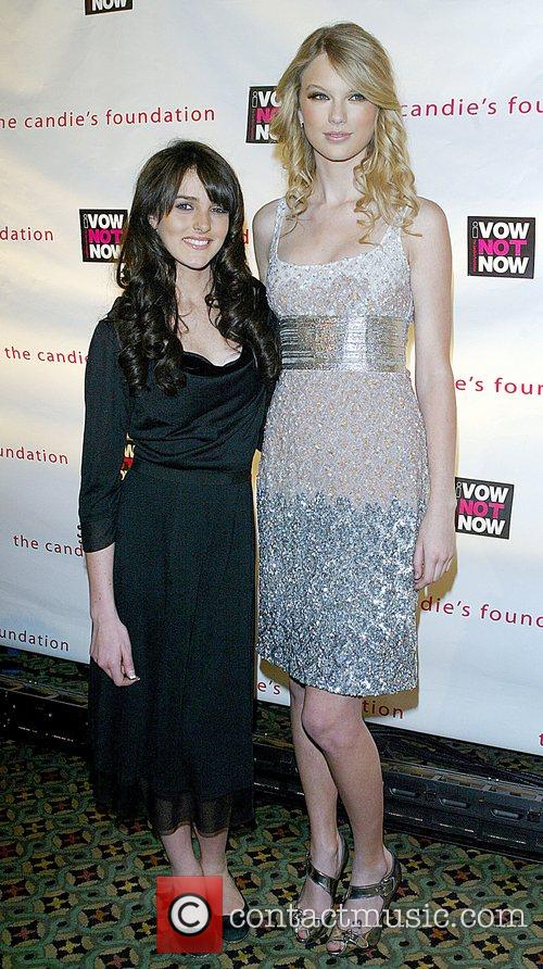 Ali Lohan and Taylor Swift 5