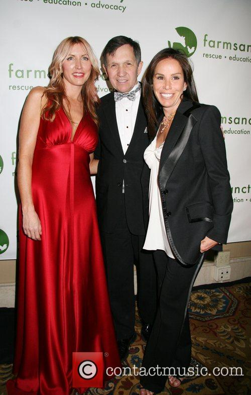 Heather Mills, Dennis Kunic and Melissa Rivers 10