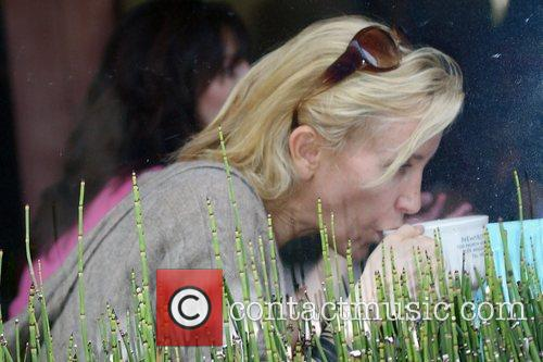 Felicity Huffman enjoys a meal with a friend...