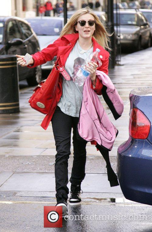 Fearne Cotton running late for her Radio one...