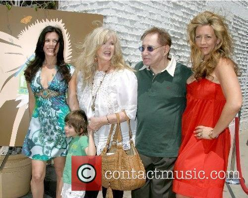 Tricia Leigh Fisher an son Holden, Connie Stevens,...