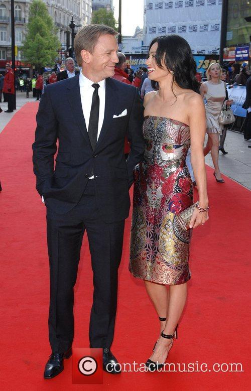 Daniel Craig and Satsuki Mitchell 6