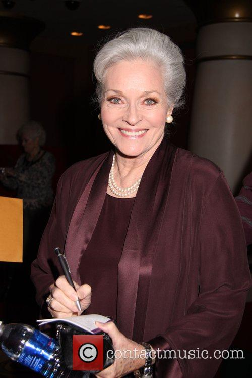 Lee Meriwether - Photo Colection