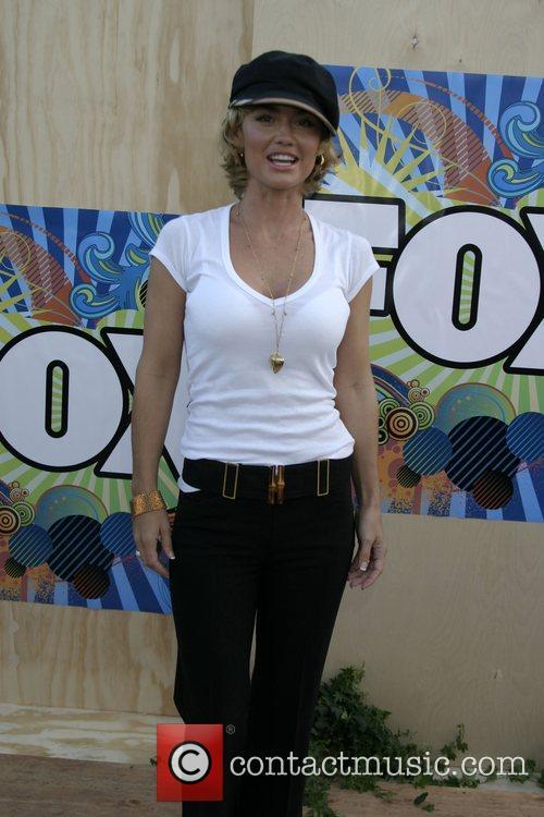 Kelly Carlson 2