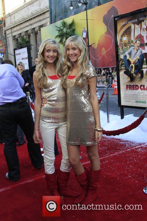 Rebecca Rosso and Camilla Rosso 1
